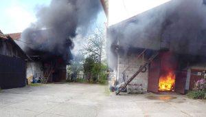 Požar garaže - DVD Stupnik 2016.